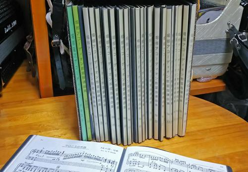 完売しました。  堀部指導曲集 まとめて31冊セット 売上の一部を公的機関に寄付
