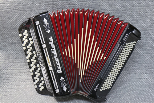ノンチャンバーとは思えない、柔らかな質感  北欧の楽器 ACCORDIOLA